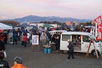 2012年12月朝市会場
