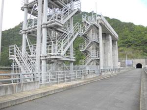 東京電力 葛野川ダム(選択取水設備取水ゲート