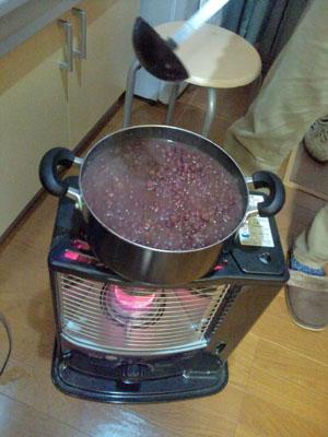 小豆が煮えたった。